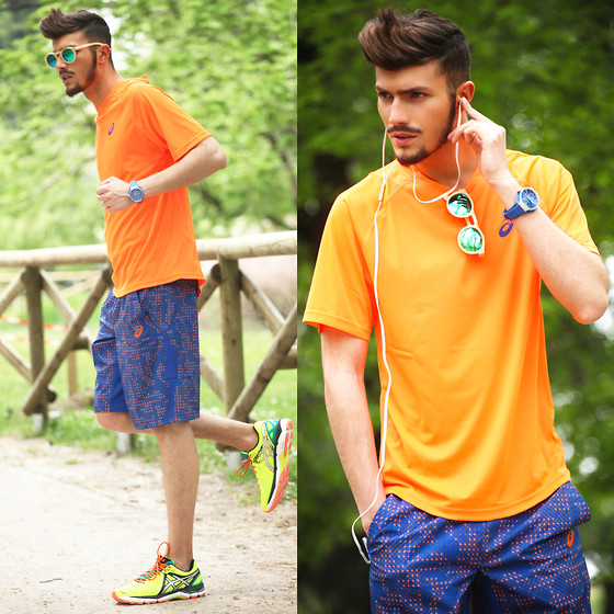 Orange Sporty Look
