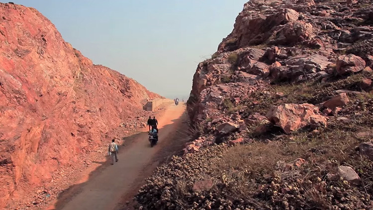 Dashrath+Manjhi+road