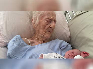 Heartwarming Photo of Granny Has Passed Away