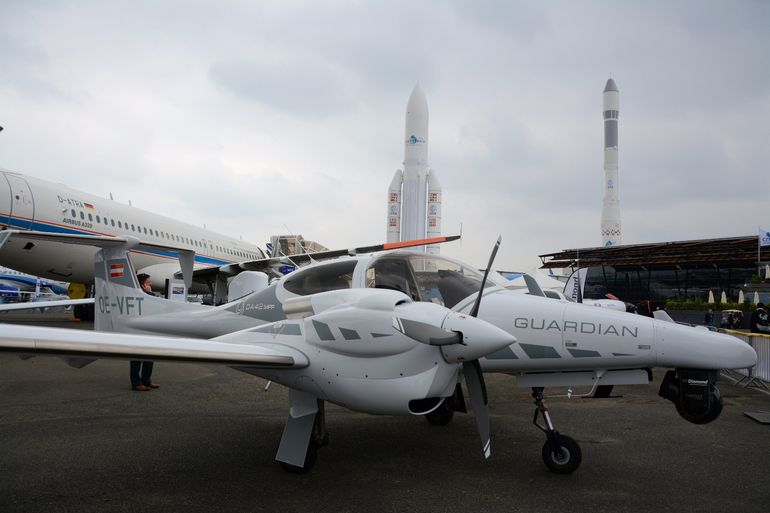 This Diamond DA42 MPP Guardian features two Austro AE300 engines for a maximum cruise speed of 171 kt (317 km/h)