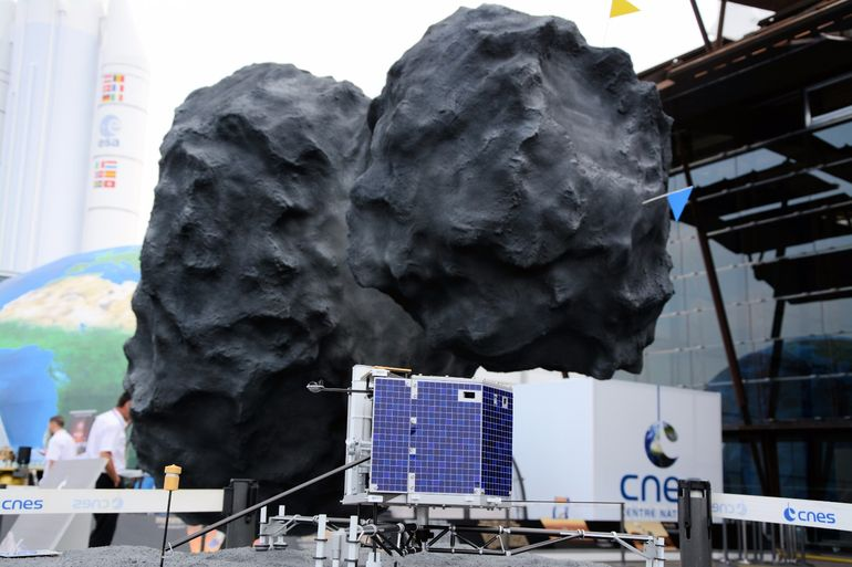 "It was thought that the <a href=""http://www.gizmag.com/esa-philae-lander-wakes-up/38006/"">Philae comet lander</a> was in hibernation, but maybe ESA was just looking in the wrong place - here it is in Paris"