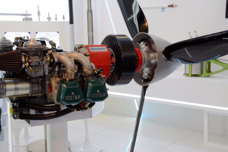 A new hybrid propulsion system has been designed by Ashot Ashkelon, Efesto and CFM Air as an add-on kit for Rotax engines