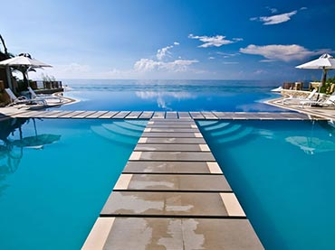 28 of the World\'s Most Beautiful Swimming Pools - Wow Amazing