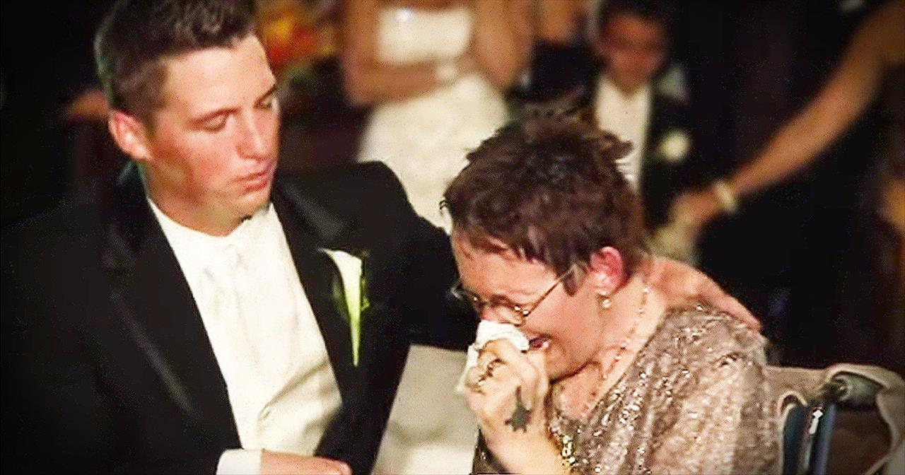 An Emotional Dance Between A Groom And His Mom With Als Wow Amazing