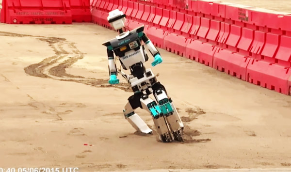 A-Compilation-of-Robots-Falling-Down-at-the-DARPA