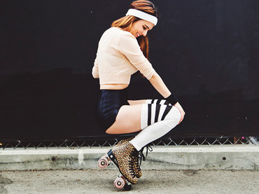 b29b42e07 Awesome Ways to Wear Over the Knee Socks Trend – Wow Amazing