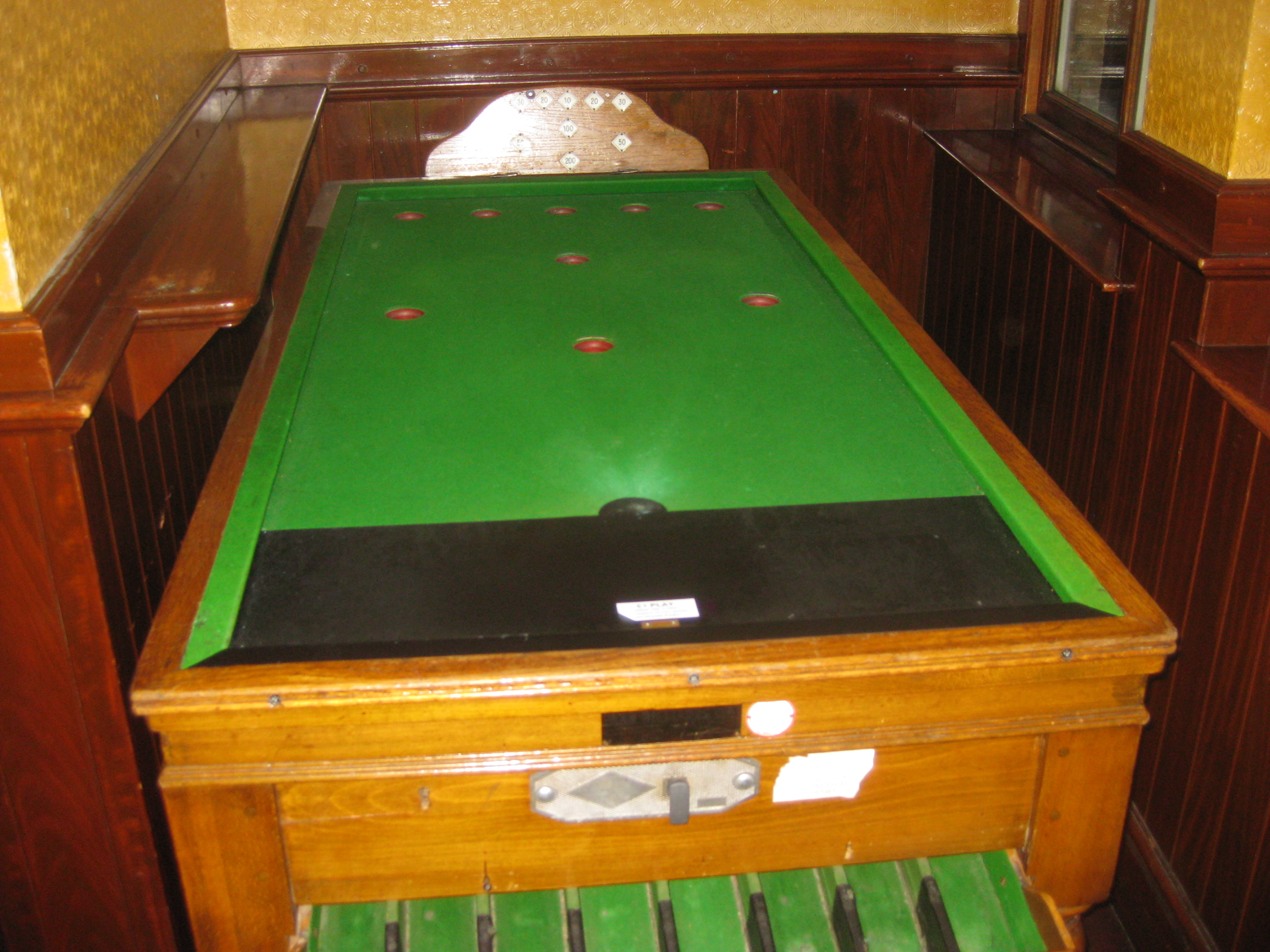 Oddly Shaped Pool Tables That Are Fun To Play On Wow Amazing - Games to play on a pool table