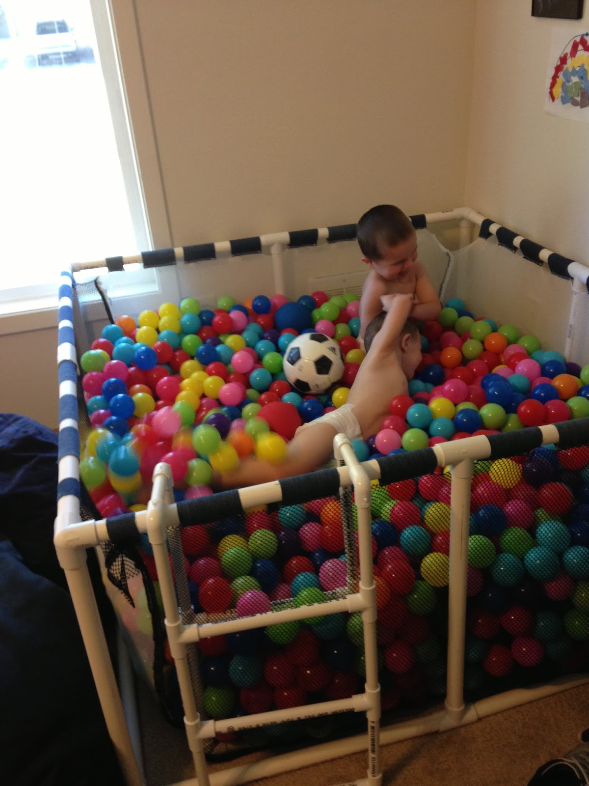 Diy an at home ball pit for any age wow amazing for Build dream home online for fun