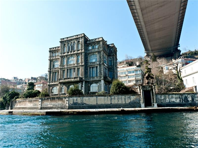 Waterfront Mansion- Istanbul, Turkey