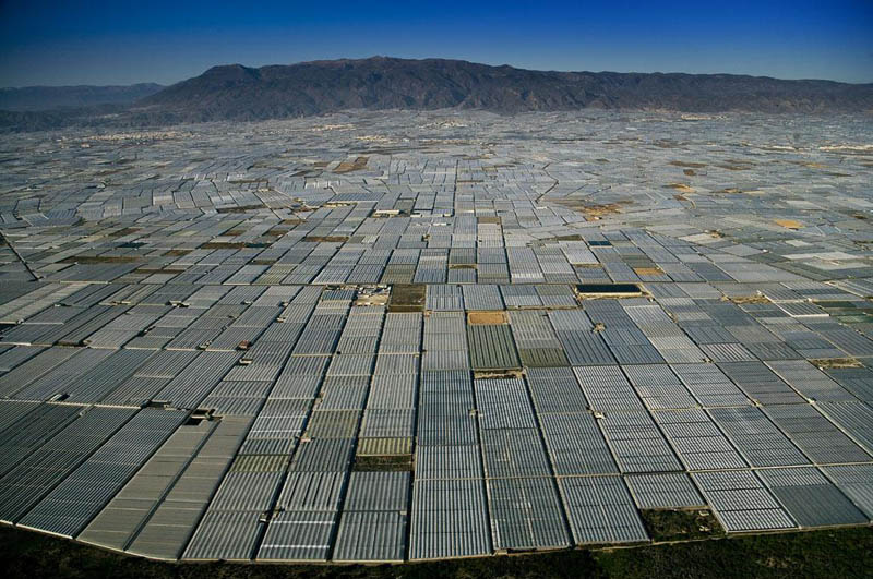 greenhouses in san augustin near almerc3ada andalusia spain 25 Mind Blowing Aerial Photographs Around the World