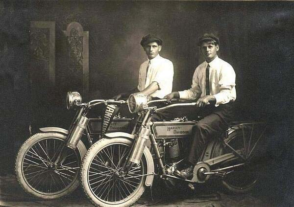 William Harley and Arthur Davidson (1914).