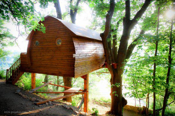 incredible tree houses treehouses 12 Live off the grid in a treehouse of your dreams (30 Photos)