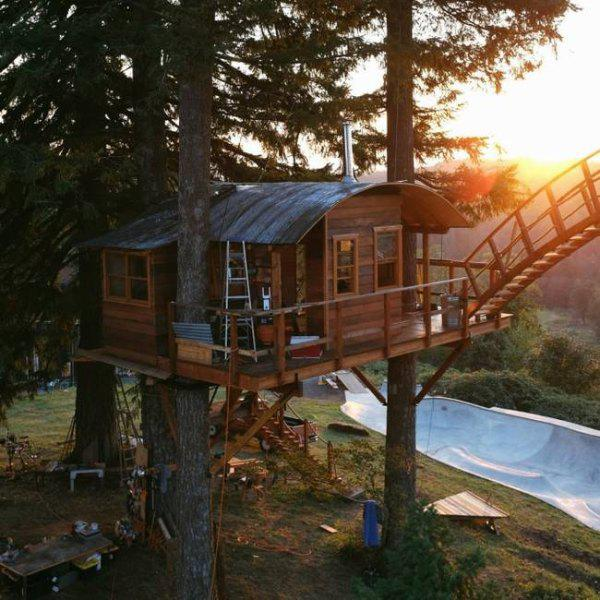 incredible tree houses treehouses 17 Live off the grid in a treehouse of your dreams (30 Photos)