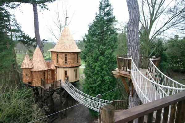 incredible tree houses treehouses 18 Live off the grid in a treehouse of your dreams (30 Photos)
