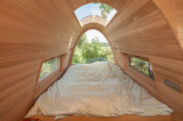 incredible tree houses treehouses 2 Live off the grid in a treehouse of your dreams (30 Photos)
