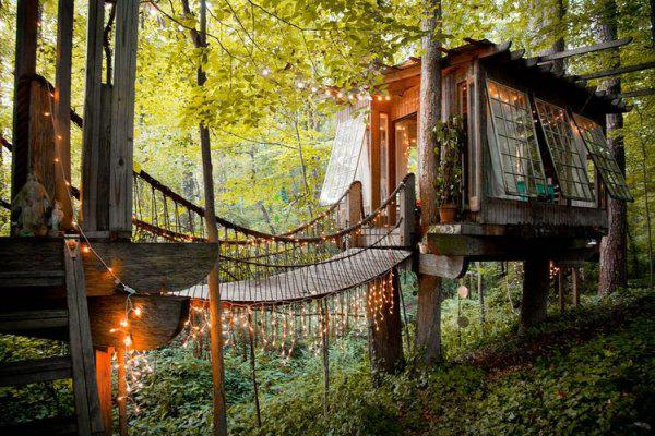 incredible tree houses treehouses 3 Live off the grid in a treehouse of your dreams (30 Photos)