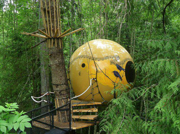 incredible tree houses treehouses 8 Live off the grid in a treehouse of your dreams (30 Photos)
