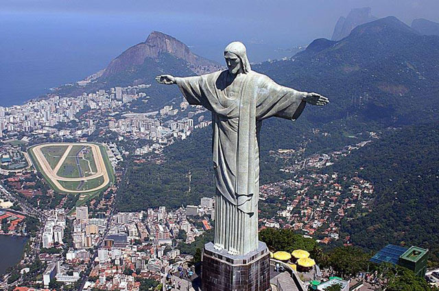 Top Ten of the Most Famous Statues in the World - Wow Amazing