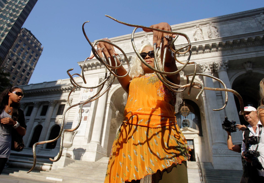 15. Longest Fingernails - The Dutchess