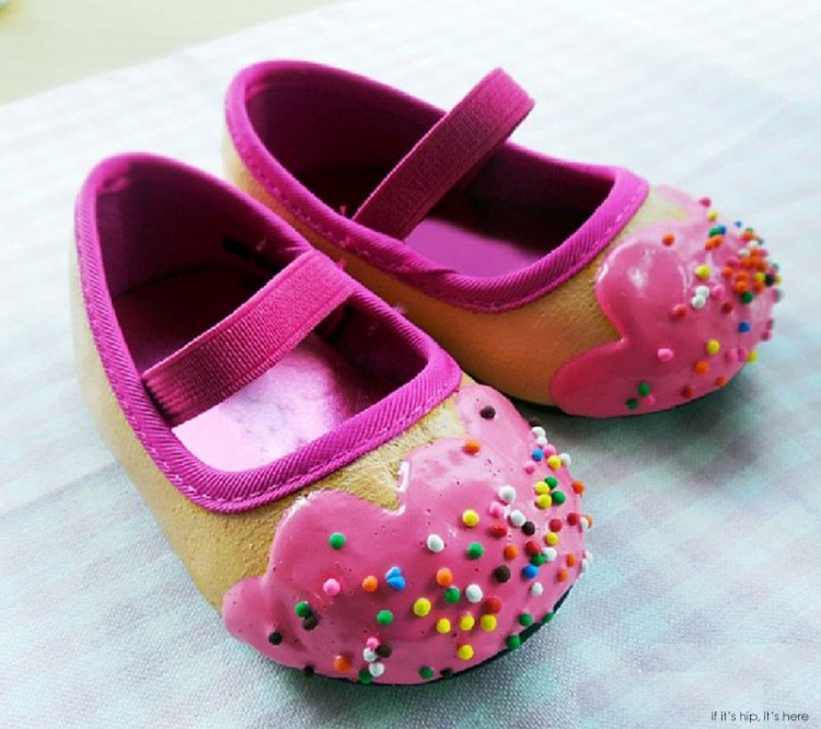 Baby-shoes-with-sprinkles