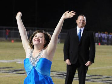 Georgia-high-school-crowns-girl-with-Down-Syndrome-Homecoming-Queen.