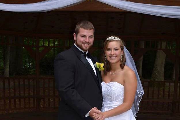 But just 19 days after the wedding, the newlyweds faced a serious hardship. Justice Stamper was driving to meet up with her husband when her car was struck from behind. She survived but suffered multiple injuries.
