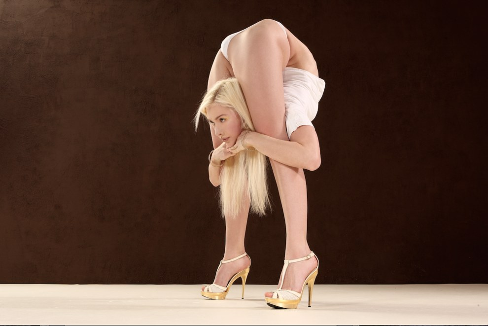 Flexible contortionist teen porn pic