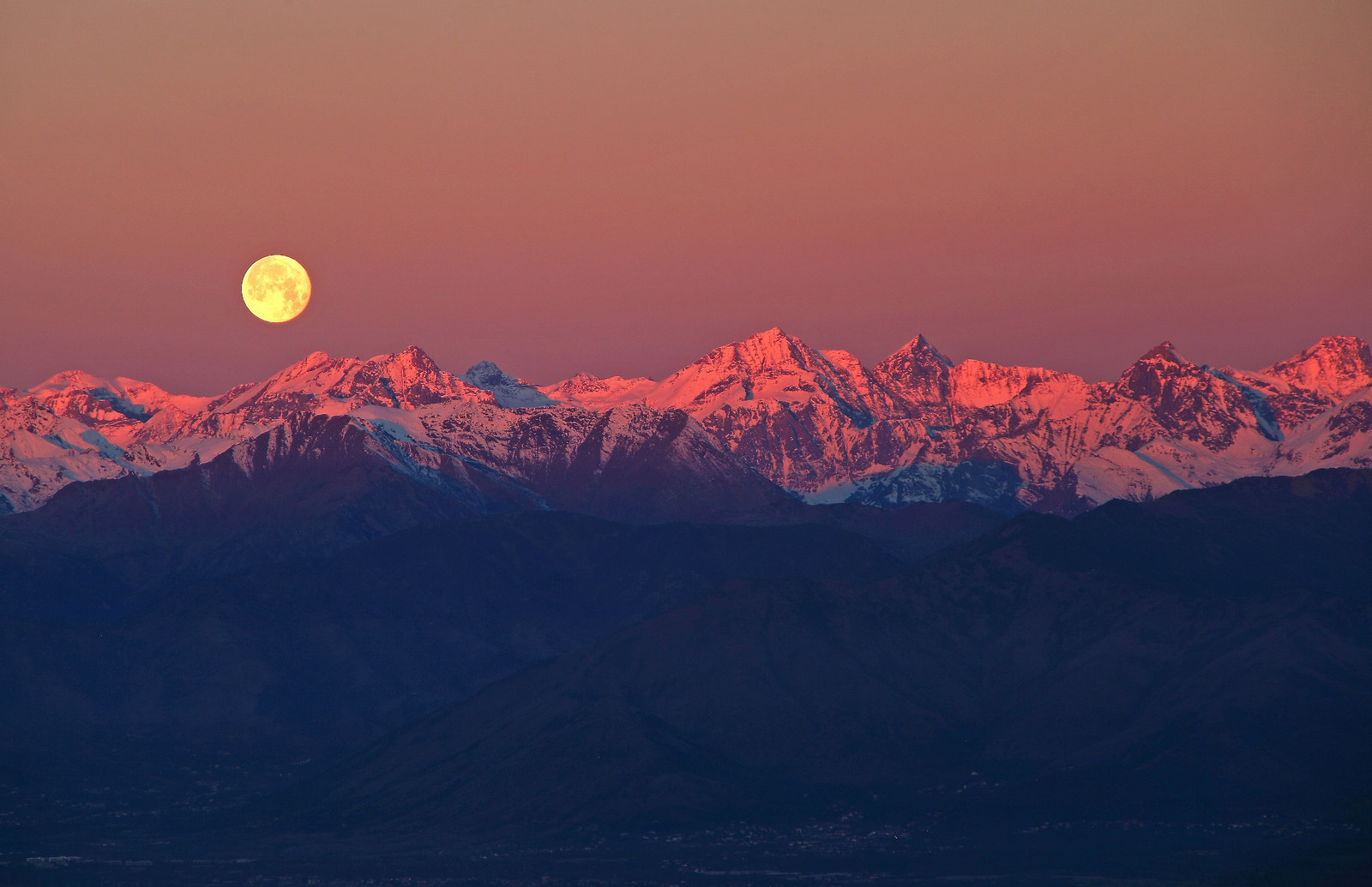"5. ""Full Moon over the Alps"", by Stefano de Rosa, Italy"
