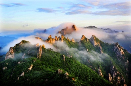 #11. Seoraksan National Park, South Korea - In These Award Winning Photographs You FEEL The Power Of The Mountains.