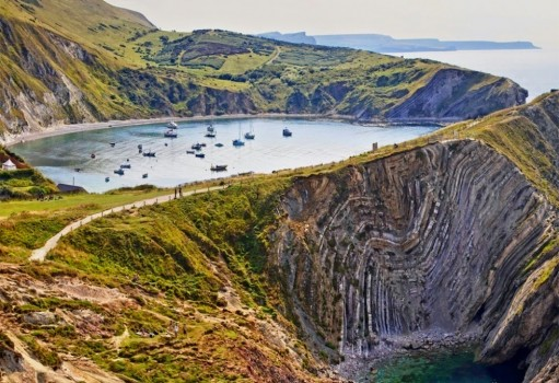 #13. Jurassic Coast, England - In These Award Winning Photographs You FEEL The Power Of The Mountains.