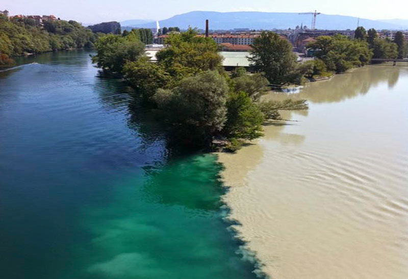 Confluence-of-the-Rhone-and-Arve-Rivers-in-Geneva,-Switzerland-1