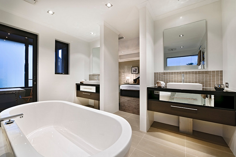 En-suite-master-bath-combines-luxury-with-a-sense-of-serenity