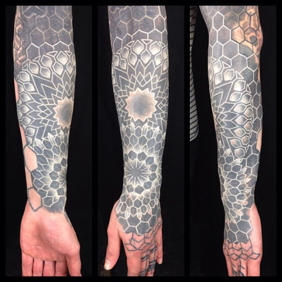 The work of Nathan is giving amazing results and he enjoys posting healed pictures of his tattoos, showing that, yes, the white ink is fading but the effect is still very visible.