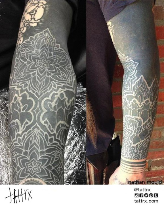 2f6b0f3072dc A Labyrinth and bodmod by Corey Divine. Blackwork can be lightened with  scarifications.