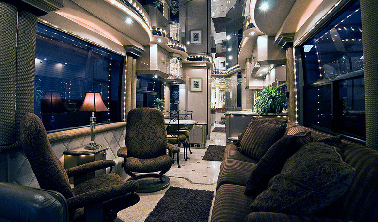 The-most-luxury-bus-designs-10