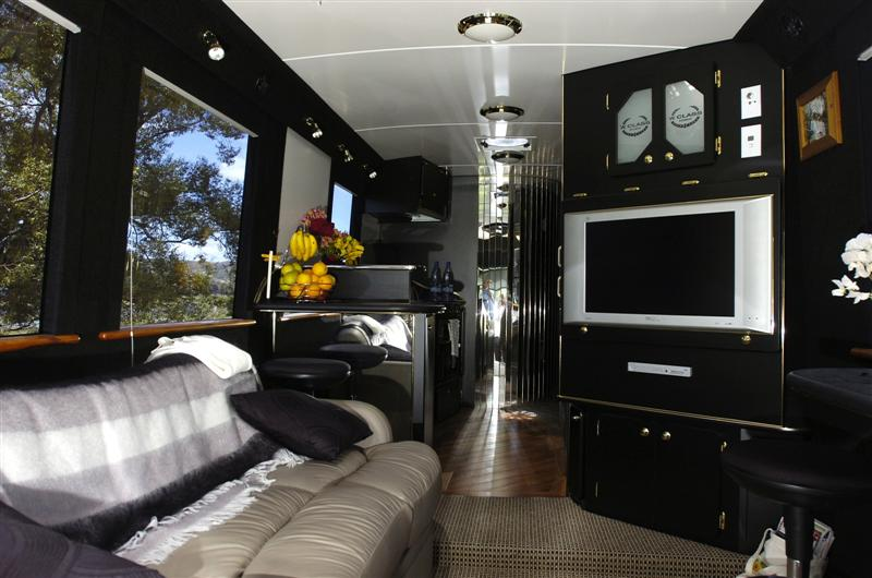 The-most-luxury-bus-designs-16
