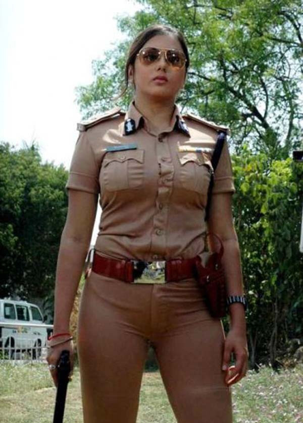 beautiful-hot-police-cops-girls-pics-25