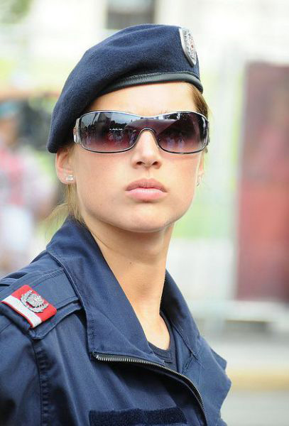 beautiful_policewomen_32