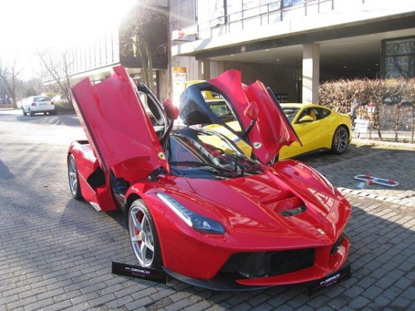 Image Source //www.indiancarsbikes.in/auto-news/ferrari-shreyans-group-part-ways-88885/