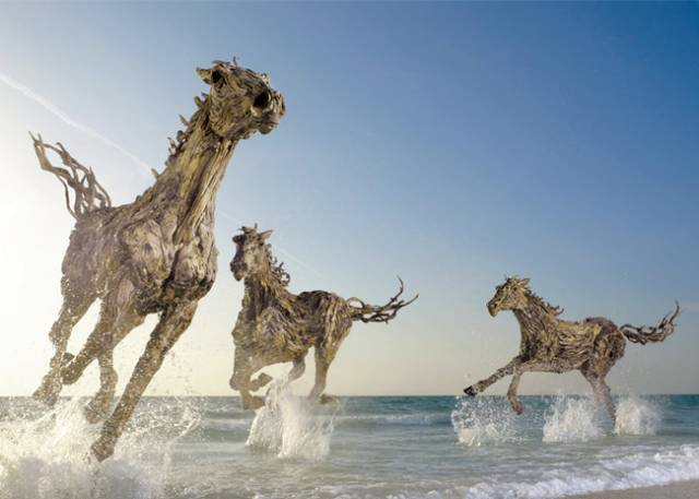 These sculptures are actually collections of carefully assembled driftwood, gathered by Doran-Webb from the beaches of the Philippine island of Cebu.