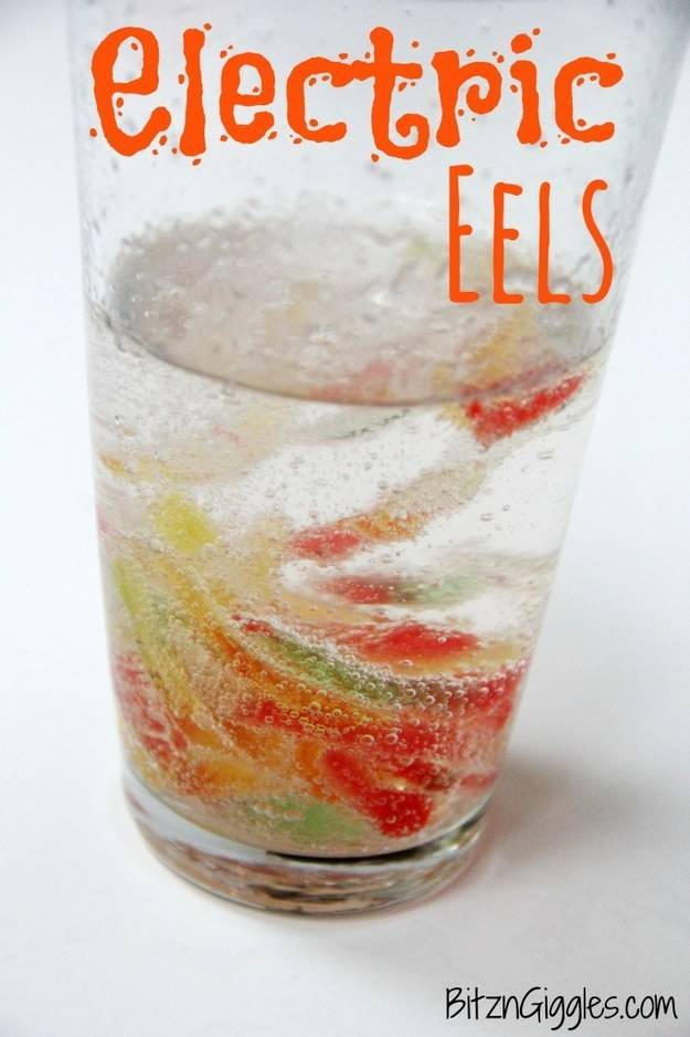 """Marinate"" gummy worms in a concoction that turns them into ""electric eels."""