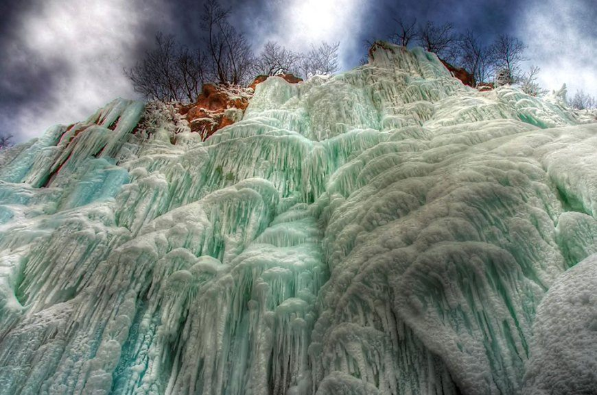 frozen-waterfalls-7