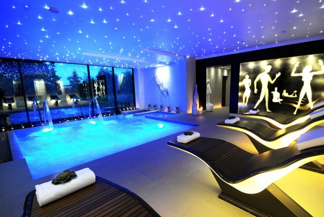 Here Are Impressive Indoor Swimming Pools That You Would Love To