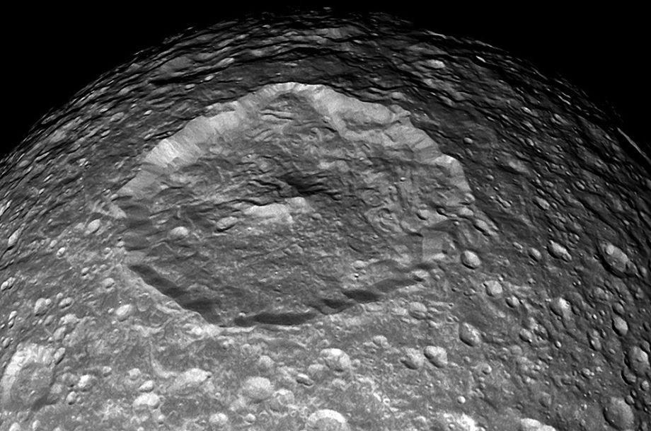 Mimas' primary crater.