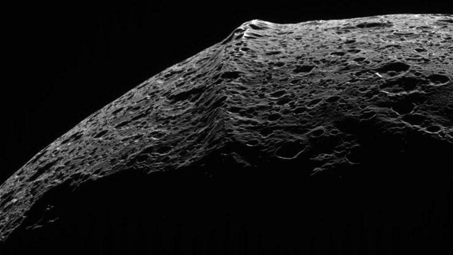 Equatorial ridge on the moon Iapetus.