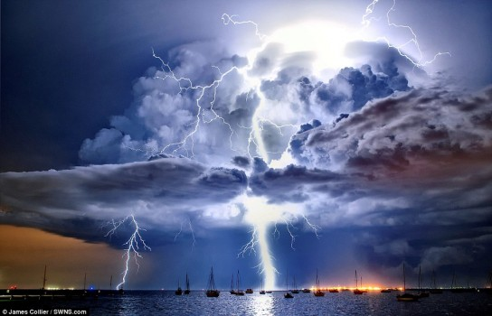 lightning cumolonimbus cloud Corio Bay Victoria James Collier