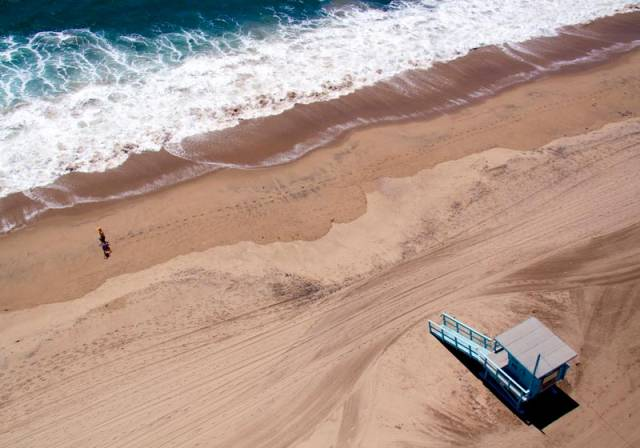santa monica lifeguard stand aerial maison gray Beaches Around the World Seen from Above