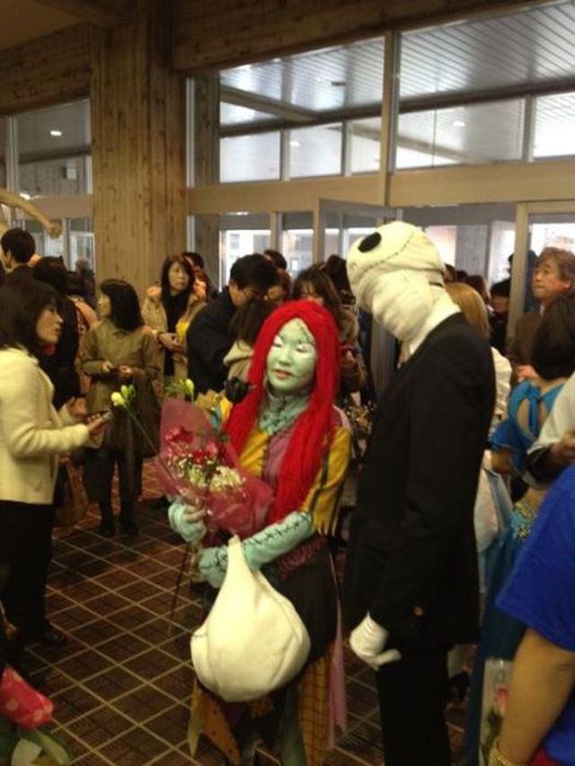 http://img.izifunny.com/pics/2014/20140304/640/unusual-graduation-in-a-japanese-school-16-pics_3.jpg