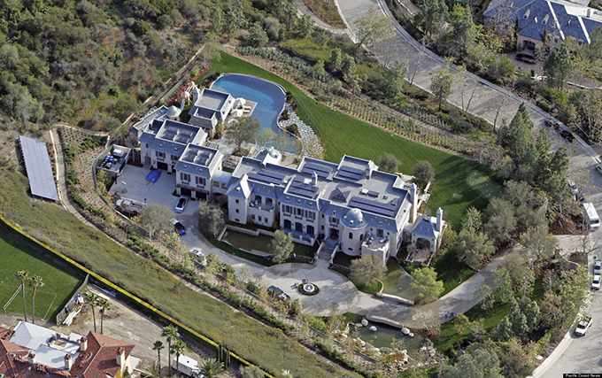 There S Money In Hollywood And These Lavish Celebrity Homes