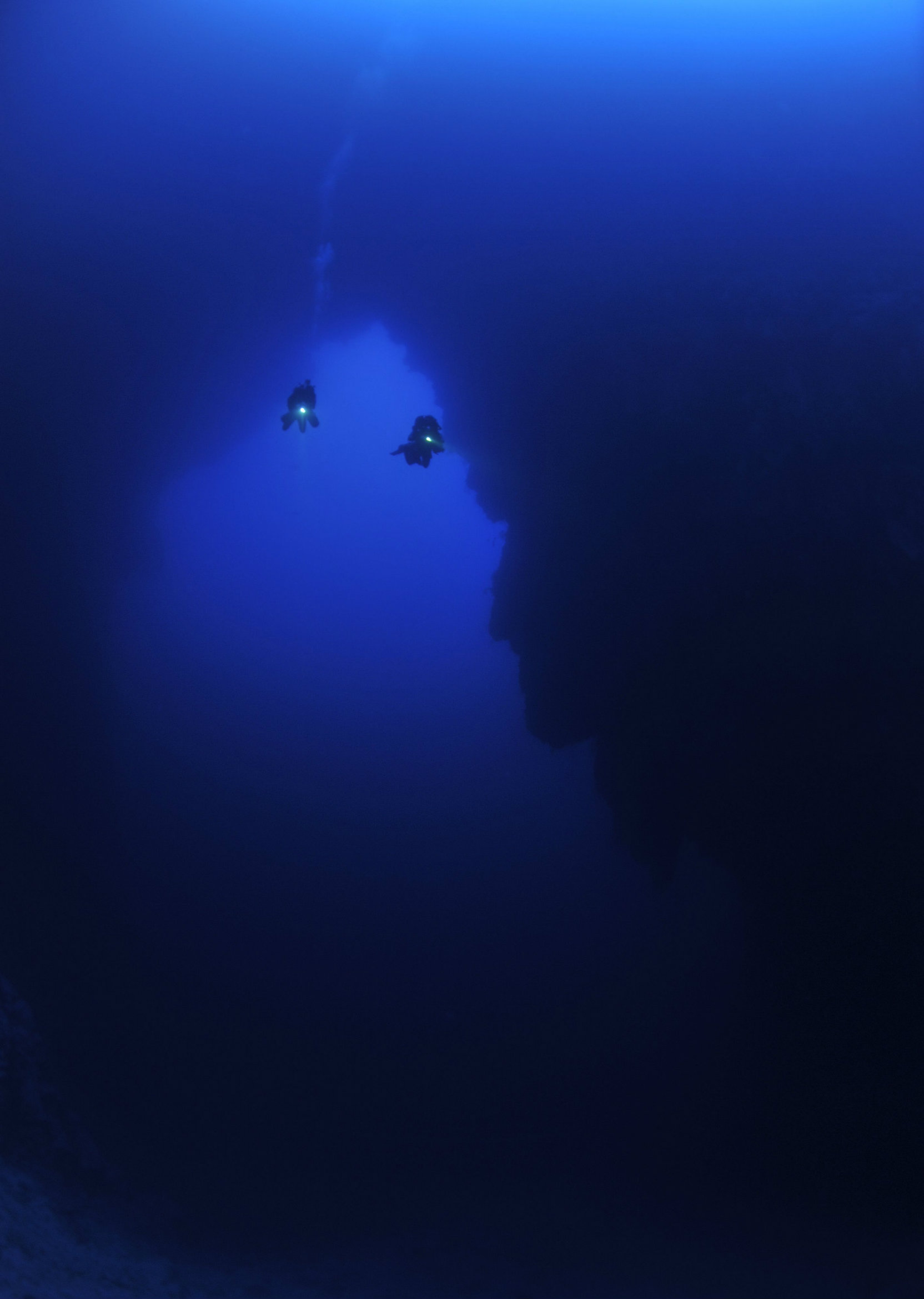 One of the reasons why people feel lost and haunted in the tunnel of the hole is nitrogen narcosis.